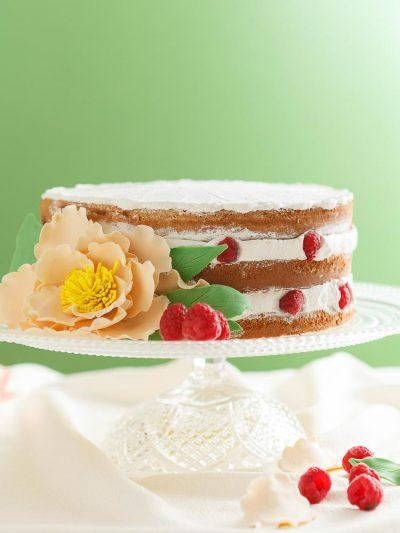 Naked cake con panna e Lamponi di Roxana Maria Litche