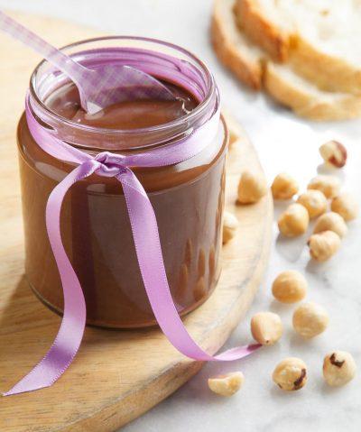 Foto di food di crema di cioccolato con nocciole fatta in casa